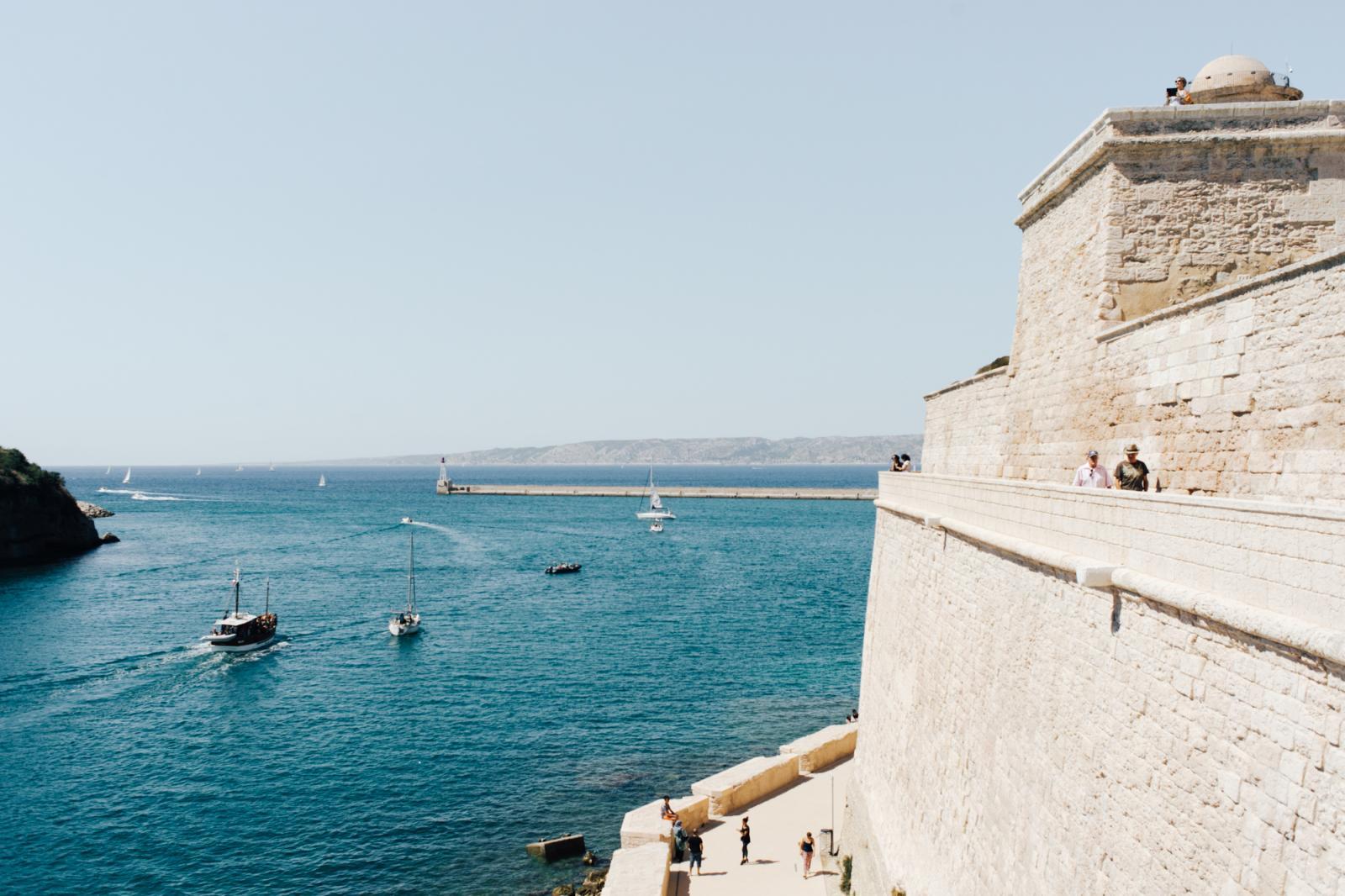 vue sur les îles Frioul et le château d'If