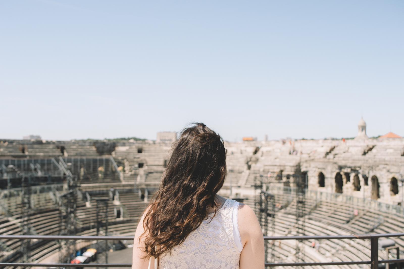 Prise de vue dans les arènes de Nîmes vides