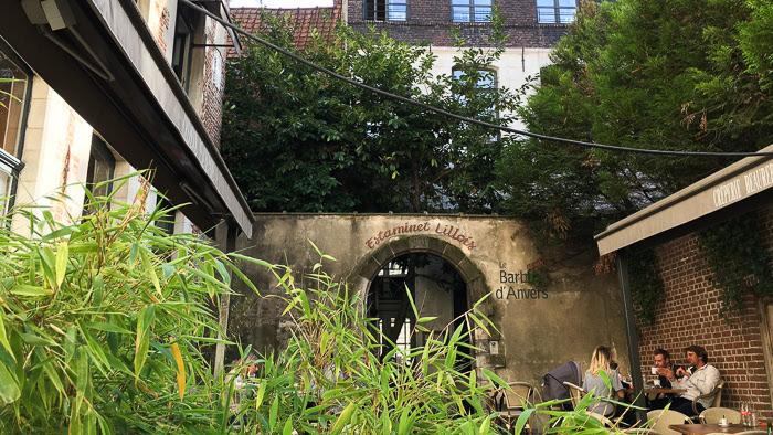 Vue d'un restaurant au Barbue D'Anvers
