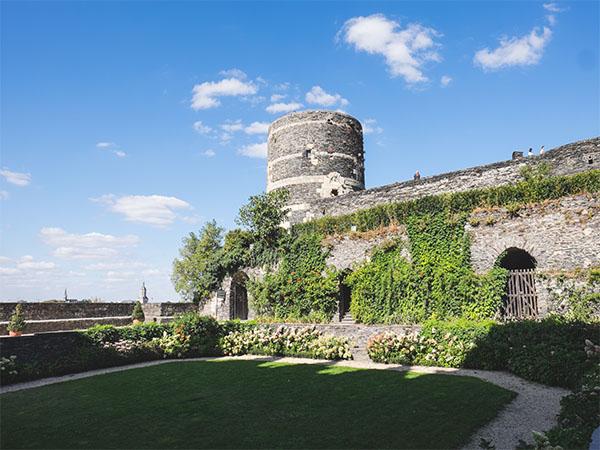 Prise du vue de l'extérieur du château d'Angers