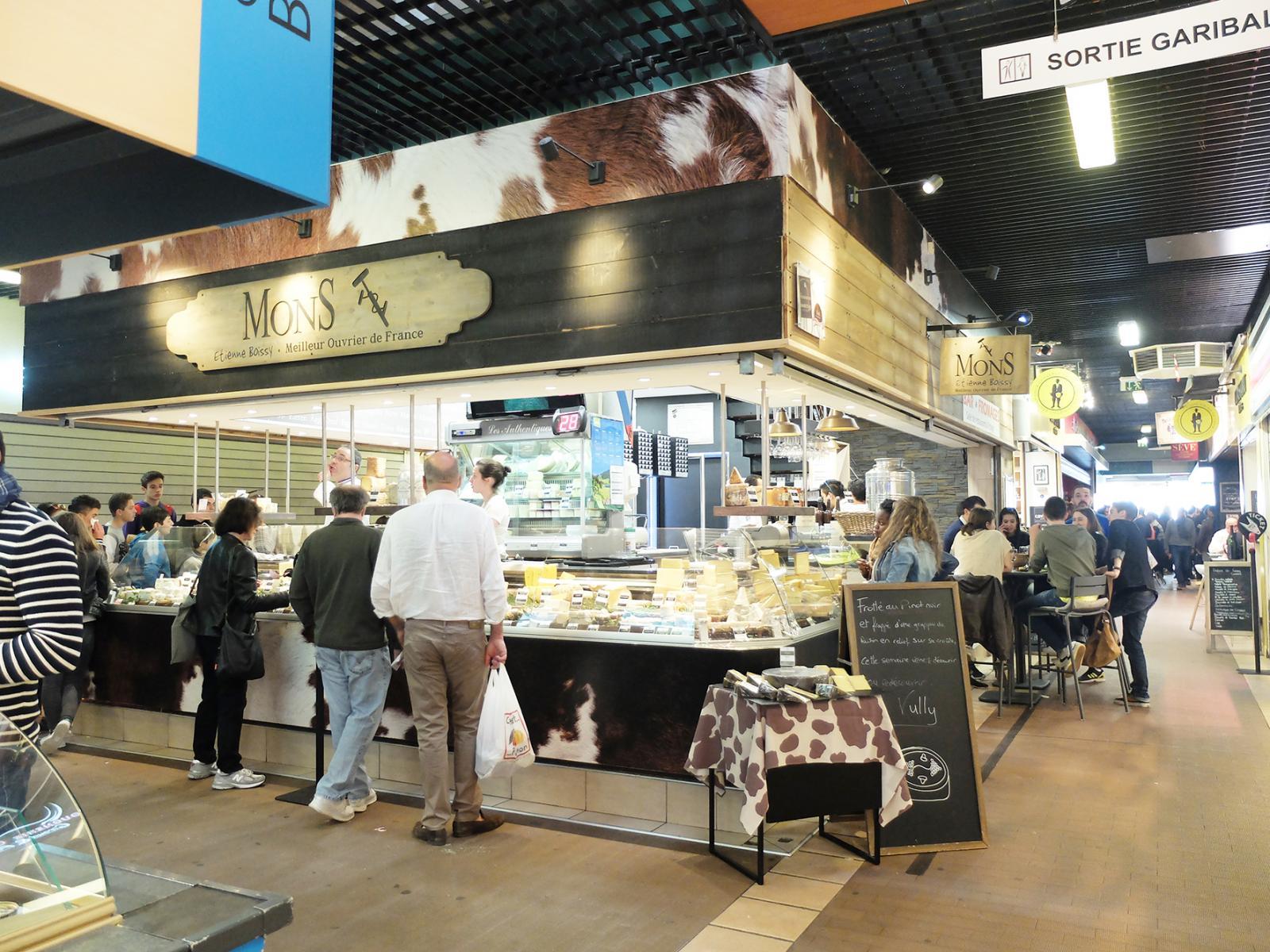 Prise de vue du marché des Halles Paul Bocuse à Lyon
