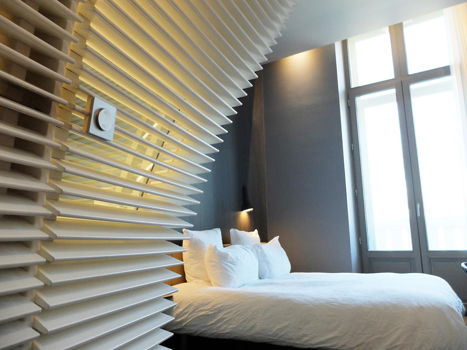 Intérieur d'une des chambres de l'OKKO HOTEL