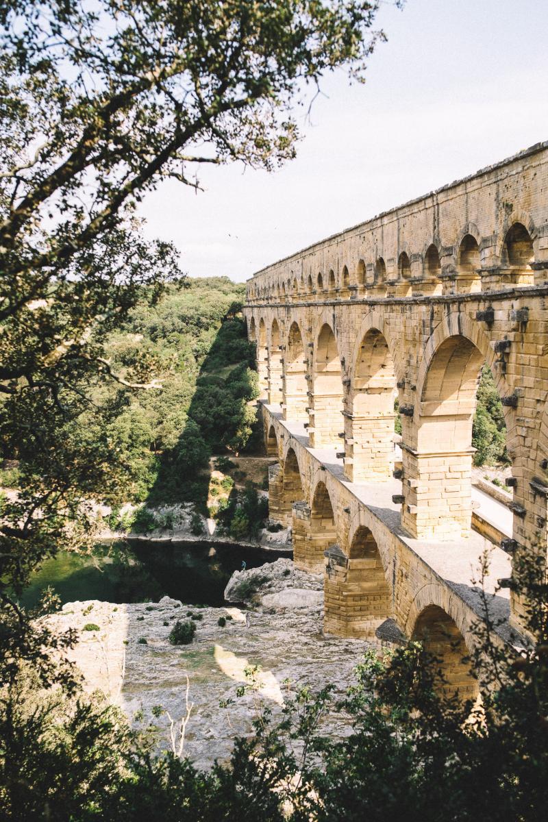 Vue sur le pont du Gard