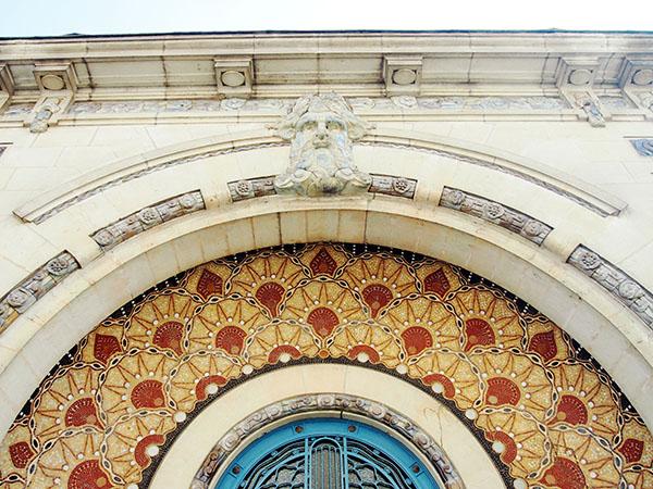Prise de vue de la mosaïque de la piscine Saint George de Rennes