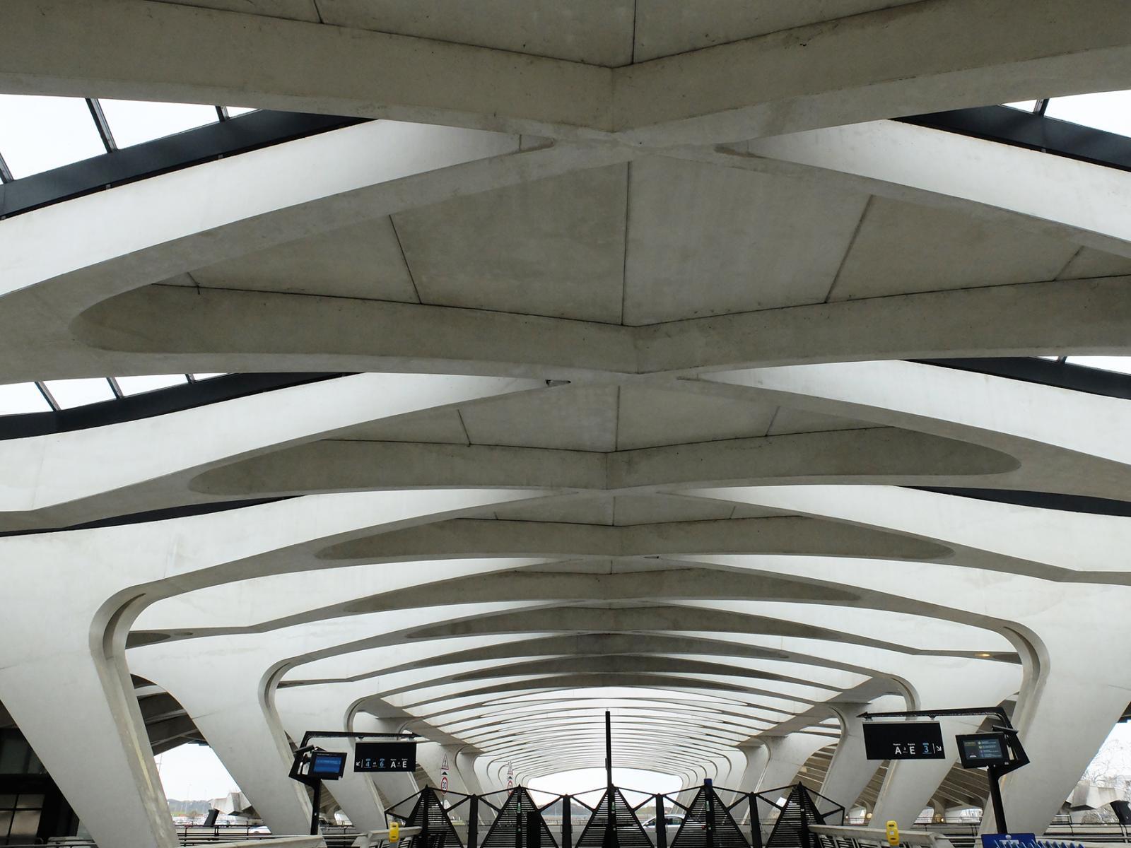 Prise de vue de la gare Lyon St. Exupéry
